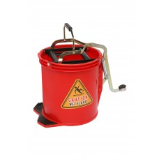Bucket; 16L red With metal mechanism